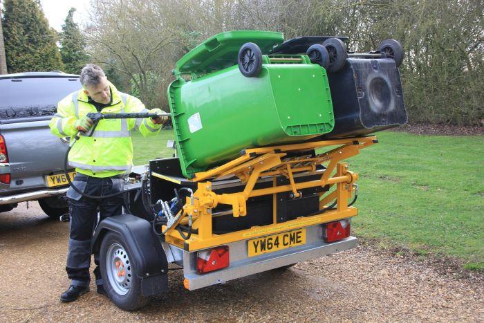 Wheelie Bin Cleaning >> Wheelie Bin Cleaning Machine Jetstream Driveclean